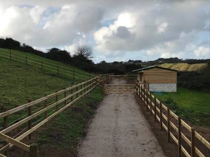 R Z T Contractors Farm Fencing and Stables