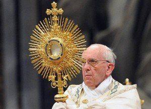 Papież Franciszek celebruje Boże Ciało