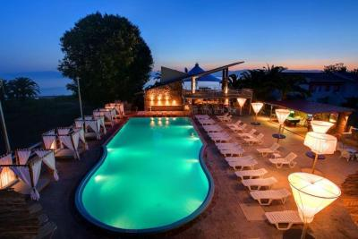Aparthotel Island Breeze, Kávos, Greece - Booking.com