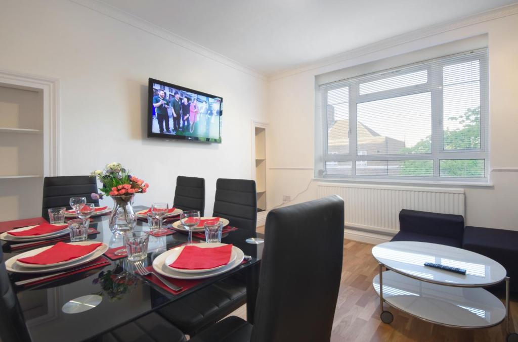 Central London 2 Bedroom Apartment  London     Updated 2018 Prices Gallery image of this property