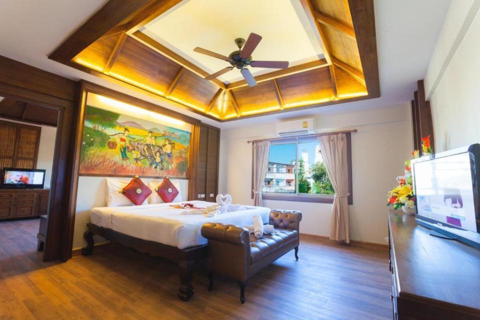 """""""Nak Nakara Hotel Chiangrai""""的图片搜索结果"""