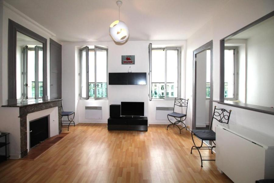 Apartment Sejourneur   Gambetta 2   T3  Bordeaux  France   Booking com Gallery image of this property