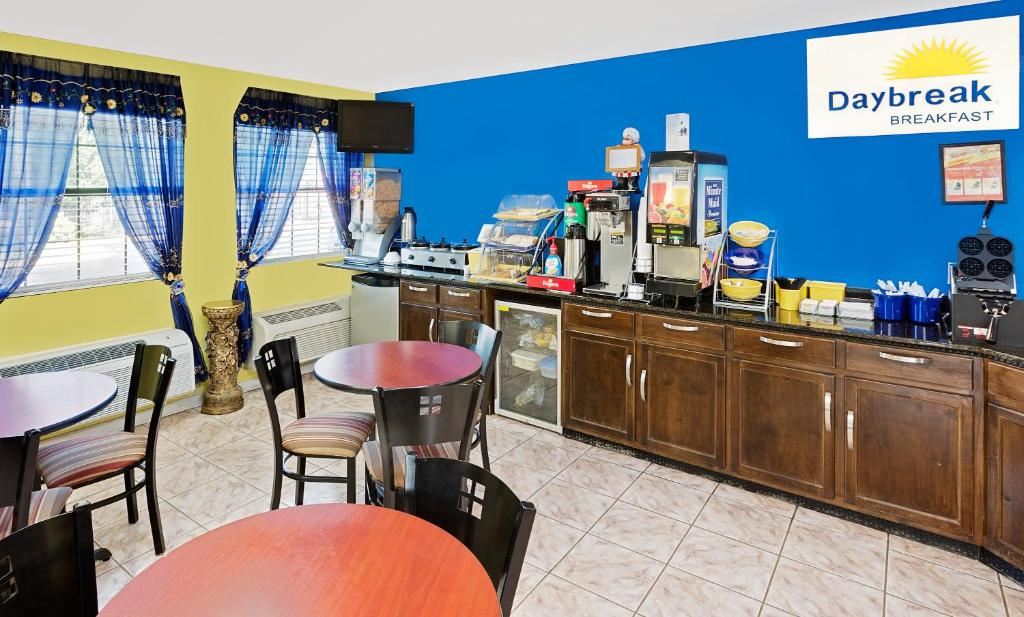 Days Inn Demopolis  AL   Booking com Gallery image of this property