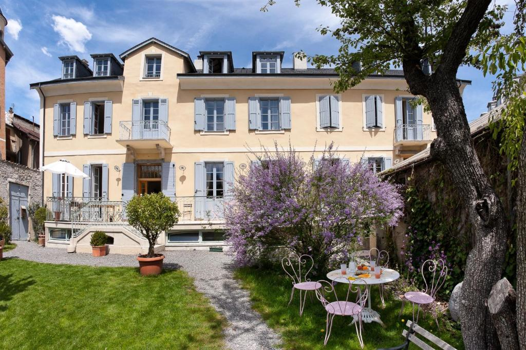 chambres d hotes le pigeonnier bed and breakfast embrun france deals