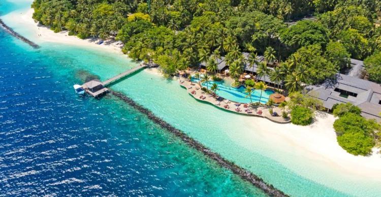 Отель 5 звезд Royal Island Resort & Spa на Мальдивах