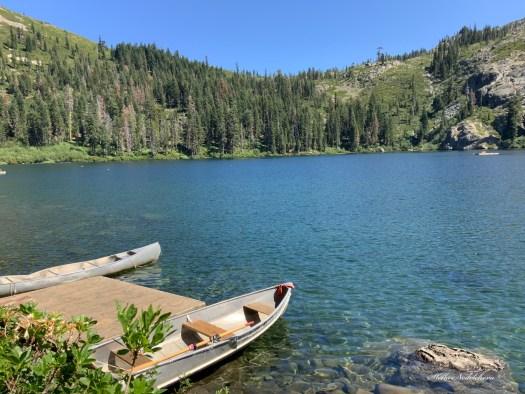 Barques au bord de Castle Lake - Californie