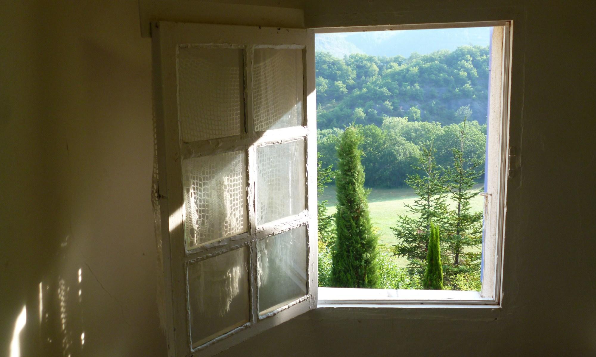 Fenêtre vers un paysage de la nature