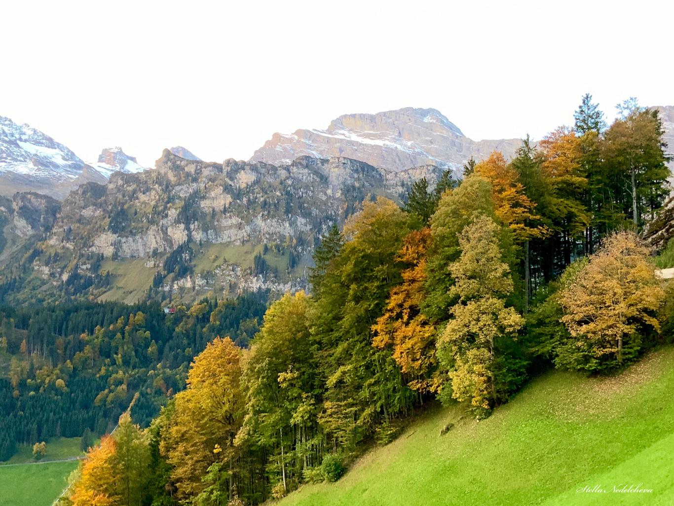 Paysage d'automne dans les Alpes