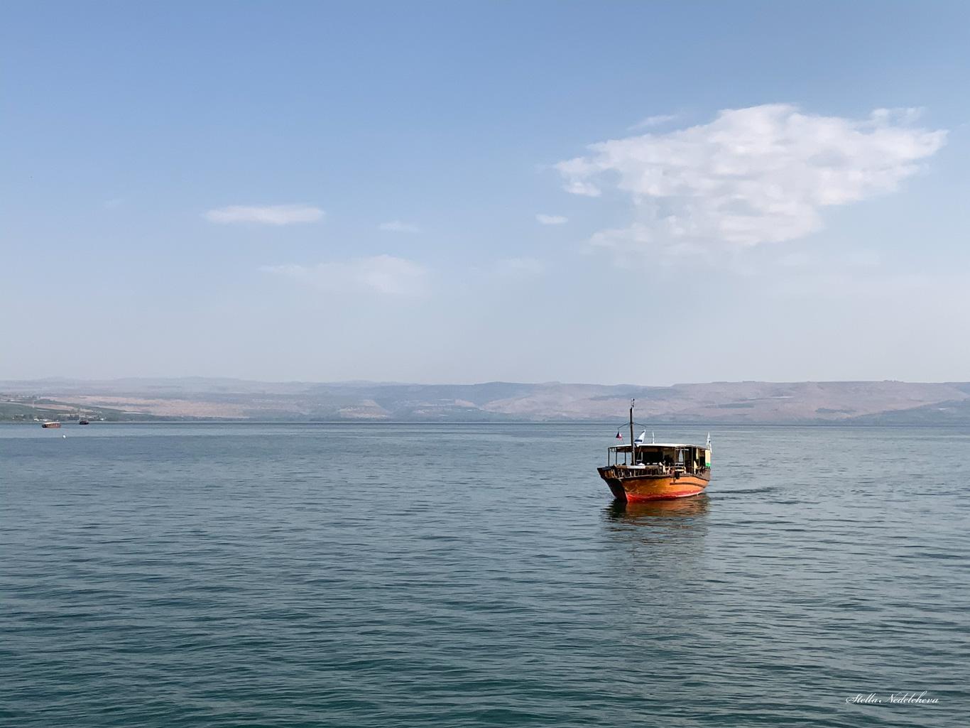 Un bateau sur la mer de Galilée