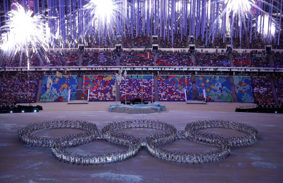 Olympic Rings Fail Joke Sochi Closing Ceremony Includes