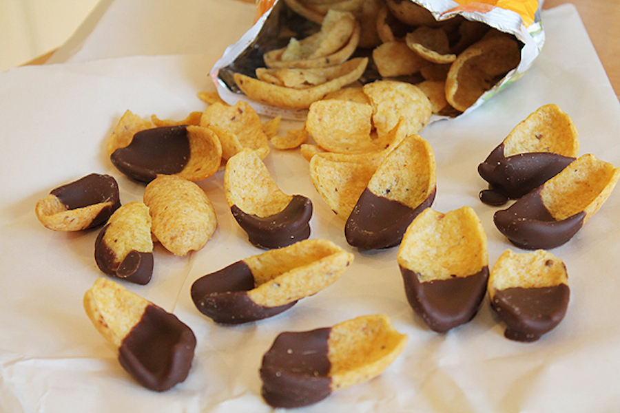 """<strong>Get the <a href=""""http://www.bluebonnetbaker.com/2012/03/23/fritos-friday-chocolate-dipped-fritos-recipe/"""" target=""""_bl"""