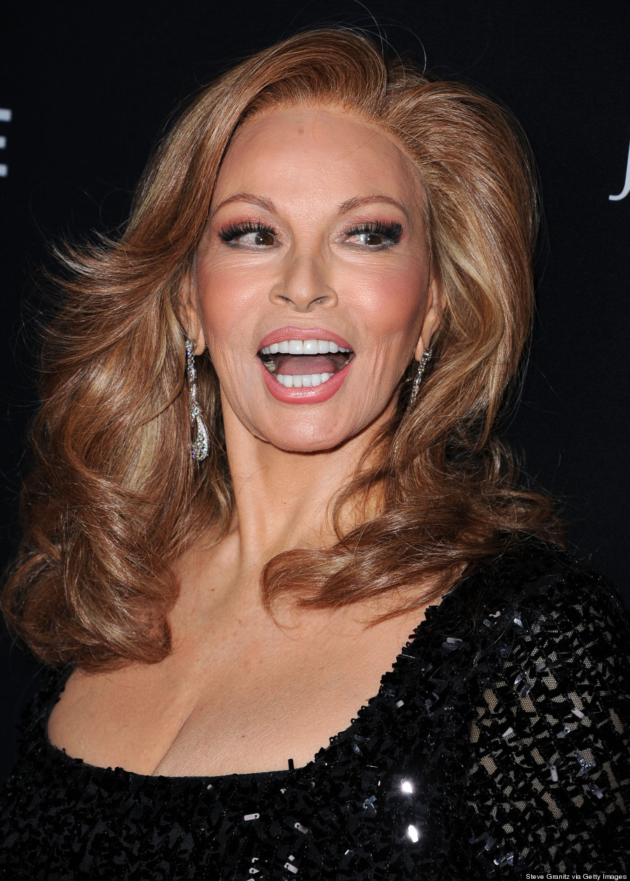 Raquel Welch Looks Half Her Age On The Red Carpet PHOTOS