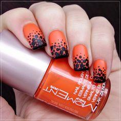 Dotting Manicure