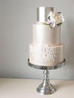 Metallic wedding cak