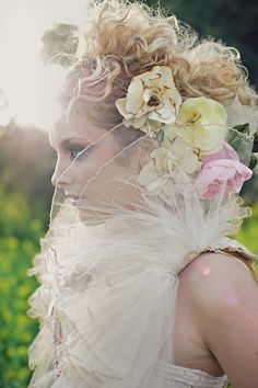vintage accessories please on pinterest wedding hair accessories bridal hair and bridal hair