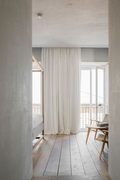 A light and airy bed
