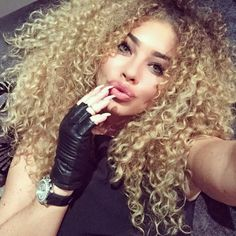 Coiffures Metisse On Pinterest Curly Hair Curls And