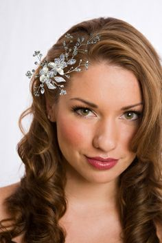 1000 images about wedding hair on pinterest vintage winter weddings wavy wedding hair and veils