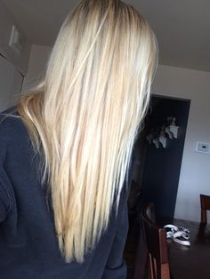 Bleach Blonde Hair With Lowlights Ideas Hair Dos