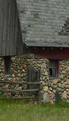 1000 Ideas About Stone Barns On Pinterest Barns White