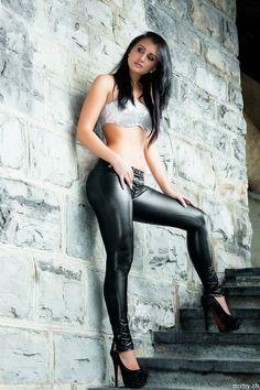 amateur nudes in high heels
