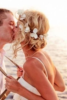 1000 ideas about vow renewal beach on pinterest beach elopement wedding venues and vow renewals
