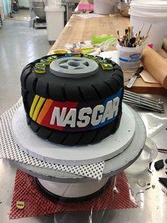 1000 Images About Nascar Cakes On Pinterest Nascar Cake