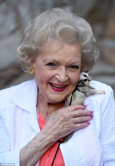 thirty inspiration betty white during her 30s betty white peggy lipton and bea arthur