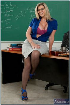 milf with nerdy glasses