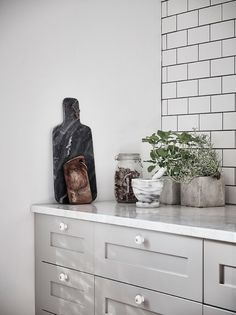 Grey kitchen with wh