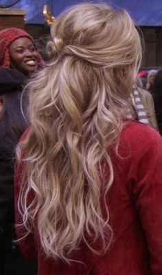1000 images about curly hairstyles on pinterest curly ponytail curly hair and messy ponytail
