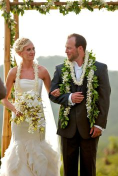 Traditional Hawaiian Wedding Leis Mini Bridal