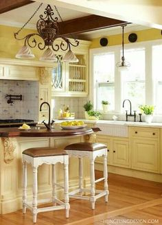 Dream Cottage The Yellow Daisy On Pinterest Yellow