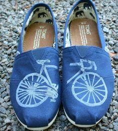 custom painted Toms,
