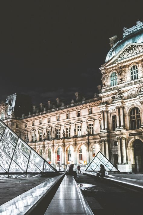 The Louvre in Paris is one of the many places that offer student discounts in Europe.