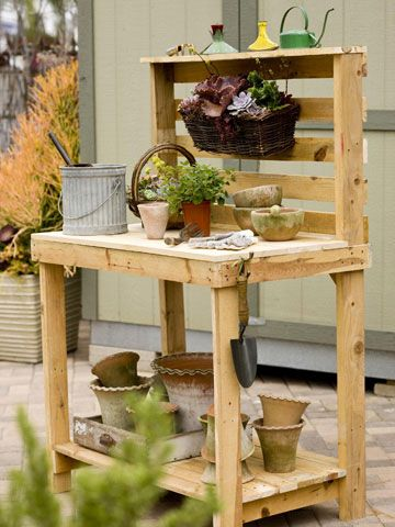 Make Your Own Potting Bench with Pallets