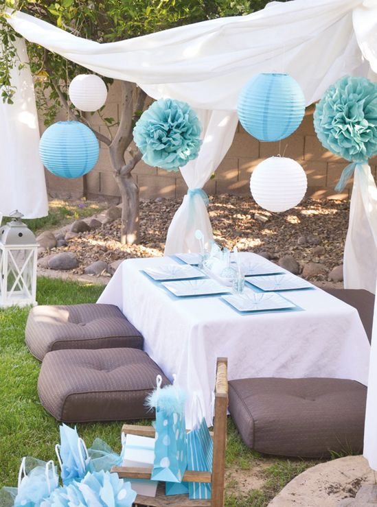 Blue party decor