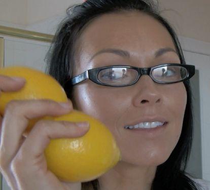 DIY lemon sugar face scrub. Great for acne, skin discoloration, age spots, black
