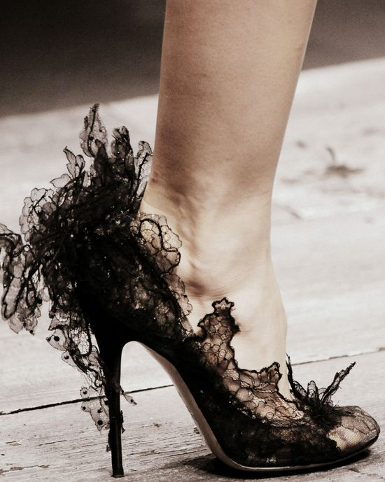 Valentino Spring/Summer 2010 shoes, collaboration with Philip Treacy