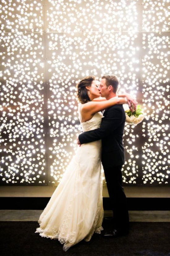 How to Decorate Your Wedding with twinkle lights. great website!