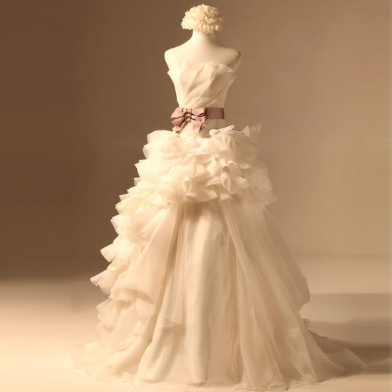 Strapless Princess Organza wedding dress  Love this!