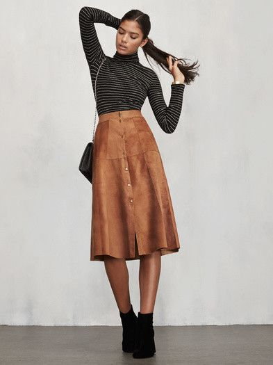 This midi skirt outfit is so cute!