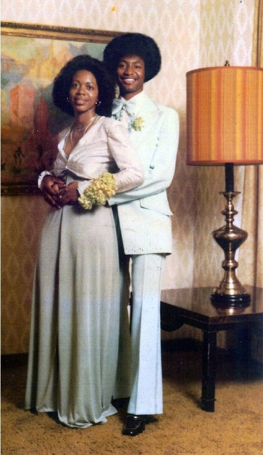 026829c2f6f2651887da8754bff6126b 15 Vintage African American Prom Dress Pictures