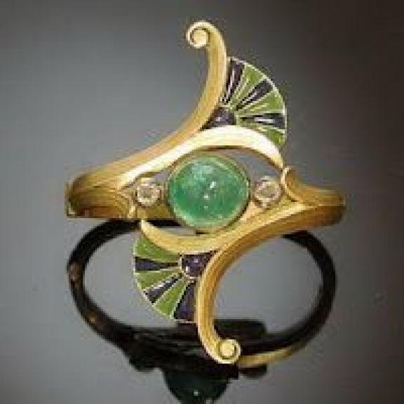 Pequeñas obras maestras a cargo del maestro vidriero y joyero René Jules Lalique (1860-1945).: