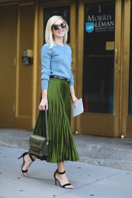 The Most Authentically Inspiring Street Style From New York #refinery29 http://www.refinery29.com/2015/09/93788/ny-fashion-week-spring-2016-street-style-pictures#slide-1 Color blocking done so right....: