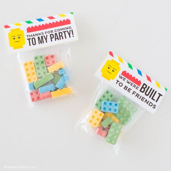 """""""How to make LEGO crayons and free printable tags that would make a great party favor or Valentine!"""" Free Printable Lego Theme Party Favor Treats Toppers 