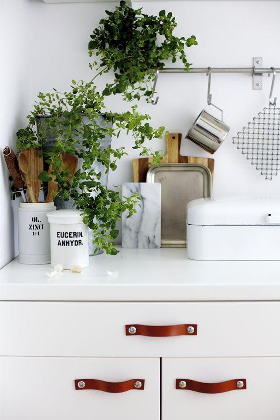 kitchen details..: