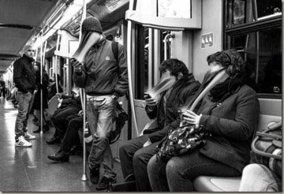 O fotografo francês Antoine Geiger, tirou uma serie de fotos que retrata pessoas tendo seus rostos sugados enquanto mexem no celular. - Conheça mais no site http://www.westinmorg.com.br/2015/11/o-celular-esta-sugando-nossa-alma.html: