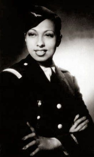 2018f2eff172ce70f32d40f1eb8dbebe 20 Patriotic Pictures of Black Women in the Military