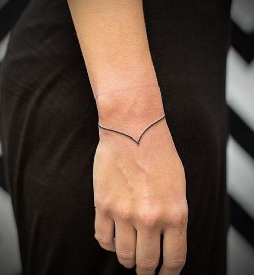 tatuagem na mao: